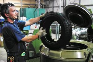 tyre retreating