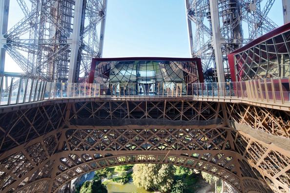 EiffelTower-pavilion