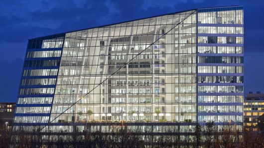 the-edge-amsterdam-worlds-most-sustainable-office-building